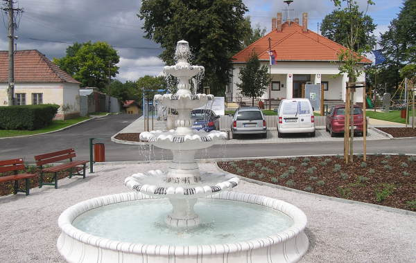Obec Kaplna